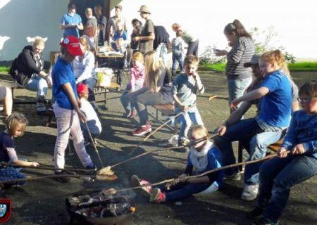 Kartoffelbraten der Kinderfeuerwehr des Basislöschzuges 3 (Oeventrop/Rumbeck)